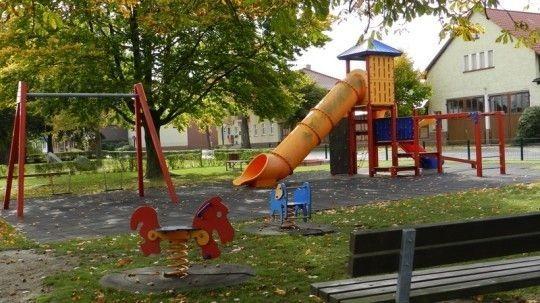 - Kinderspielplatz Jübar -