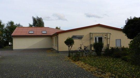 - Dorfgemeinschaftshaus Jübar -