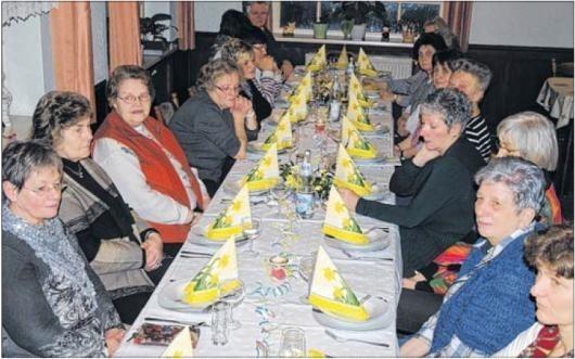 Sechs öffentliche Auftritte hatte der Jübarer Frauenchor im vergangenen Jahr zu absolvieren. Höhepunkt war das große Sängerfest zum 35-jährigen Bestehen des Chores, das im April im Lüdelsener Saal sta