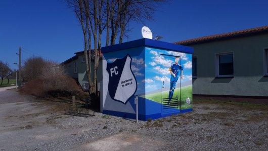 20180408 Trafohäuschen am FCJB-Vereinshaus in Jübar
