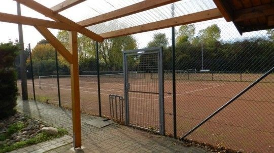 - Tennisverein Jübar -