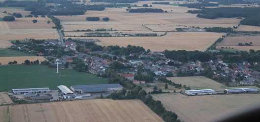 - Jübar - Luftaufnahme vom Gemeindehauptort 2018 -